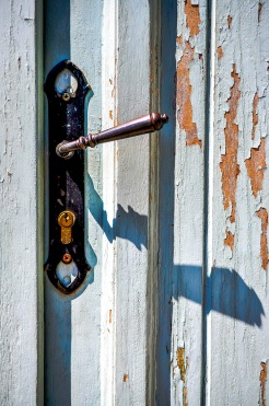 Weathered front door-001