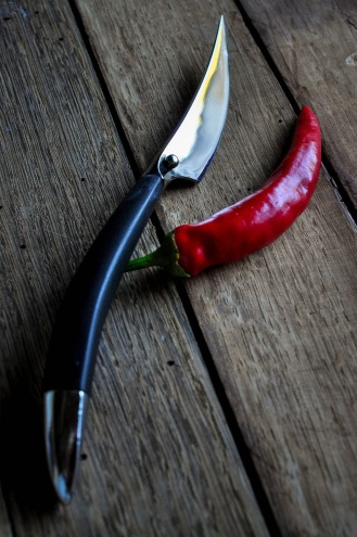 Chilli and knife_