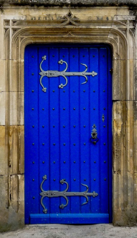 Jonzac - Château Door2 crop