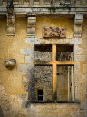 Jonzac - Château Window