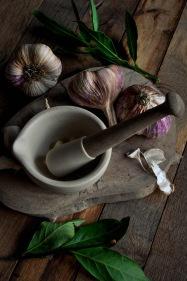Rose Garlic knife and mortar 2