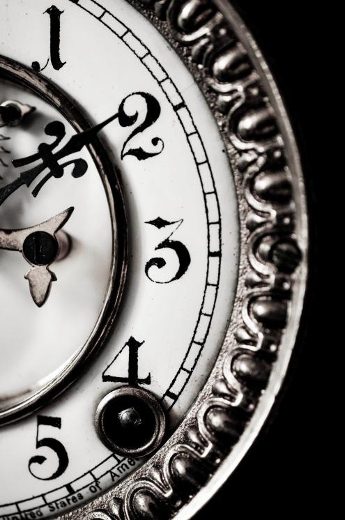 Clock face 12 mono-001