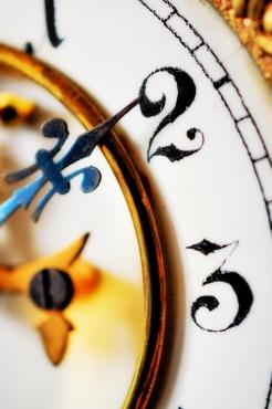 Clock face 9-001