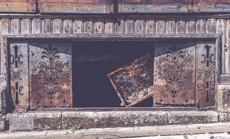 Montmoreau Doors old shop-5