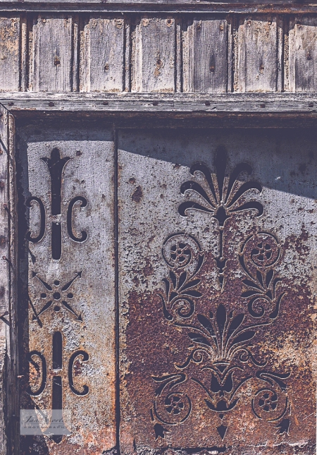 Montmoreau Doors old shop-8