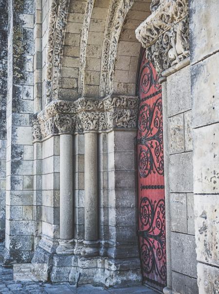 St Pierre door and pillars
