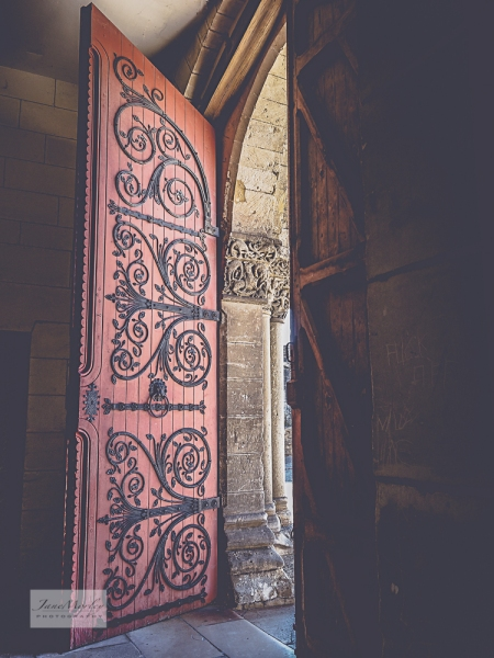 St Pierre door inside