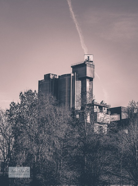 La Couronne abbey cement works