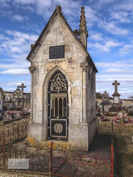 Deviat Gothic tomb