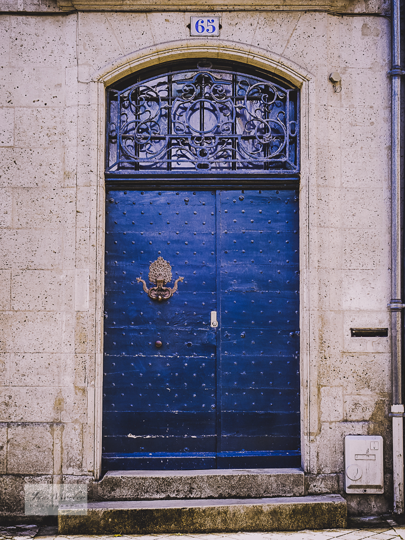 Angouleme door and gothic knocker & Thursday Doors \u2013 A Few Gothic Studs \u0026 A Door Knocker \u2013 View from a ... Pezcame.Com