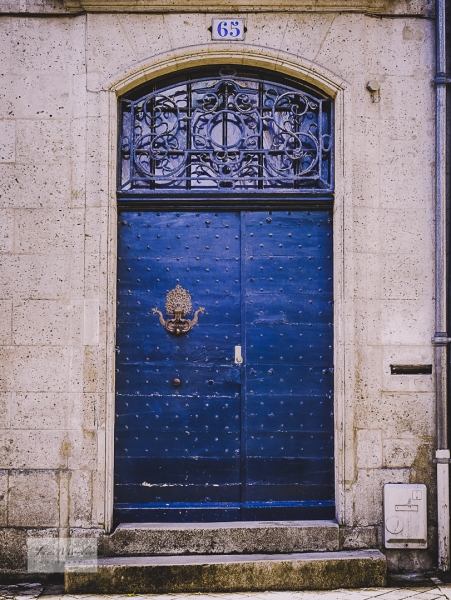 Angouleme door and gothic knocker